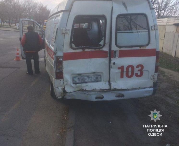 ТЕРМІНОВО! МАШТАБНА АВАРІЯ за участі маршрутного таксі та швидкої. Є постраждалі!