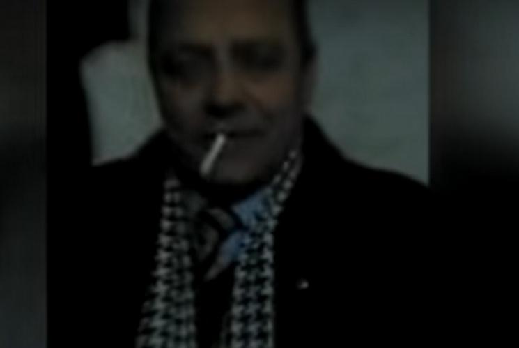 П'яний директор-педофіл зваблює неповнолітніх дівчаток і заглядає під спідниці вчителькам! Відео, яке потрясло всю країну!