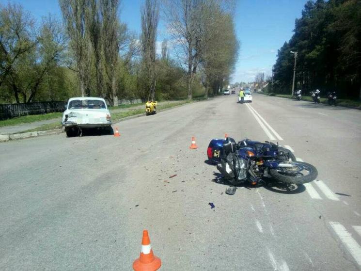 У Кропивницькому сталася жахлива ДТП за участю мотоцикліста