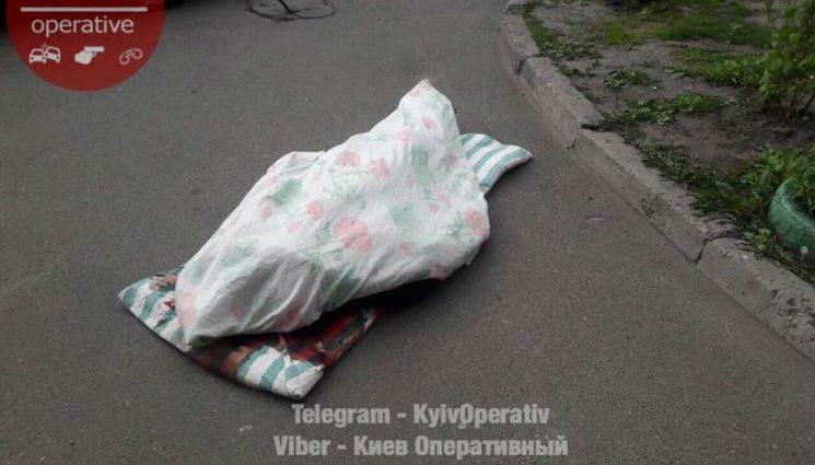 Такого Україна ще не бачила!!! В Києві на Оболоні сталося СТРАШНЕ ВБИВСТВО (ФОТО 18+)