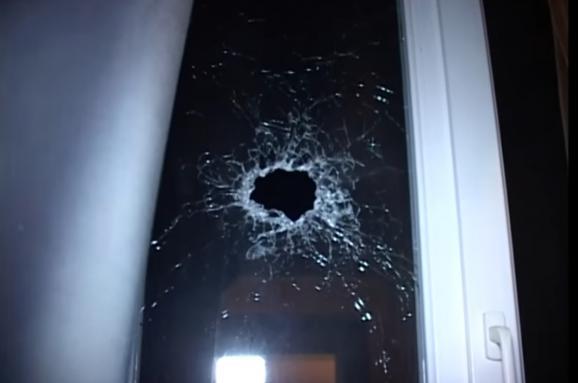 Уночі в столиці невідомі обстріляли житловий будинок. Від деталей кров у жилах стигне!