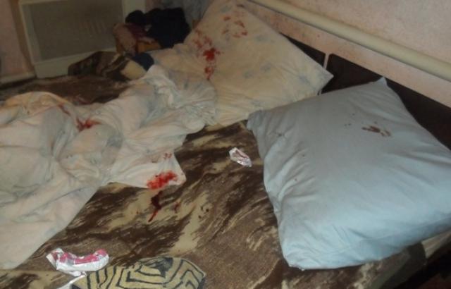 Яка жорстокість!!! На Харківщині п'яний чоловік випадково вбив матір