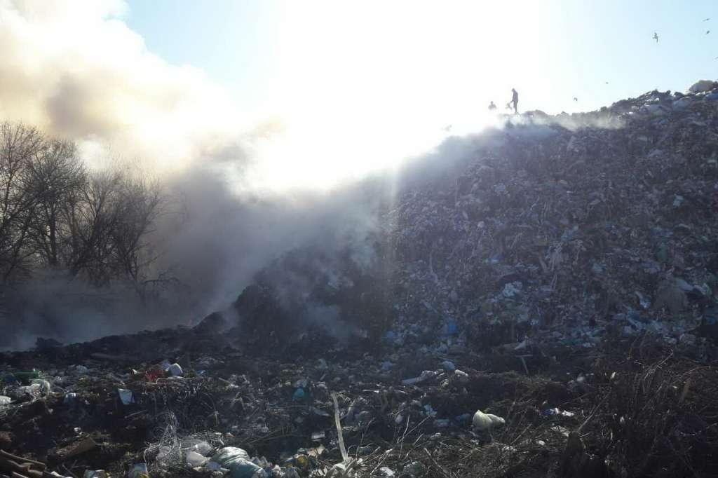 ТЕРМІНОВО! Під Харковом масштабна пожежа на сміттєзвалищі. Наслідки катастрофічні!
