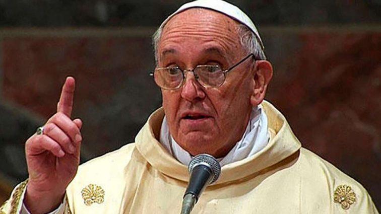 Буде гаряче… Посла України викликали до Папи Римського через резонансні законопроекти