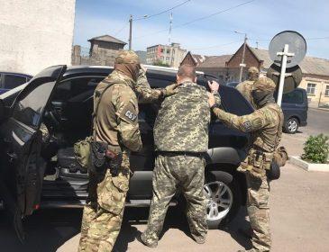 Скандального начальника виправної колоній Житомирщини затримали на хабарі