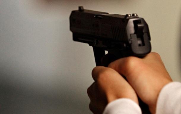 ТЕРМІНОВО! Стріляли у відомого чиновника біля власного дому!