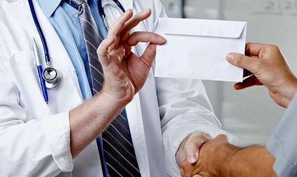 Справжній негідник: У Рівному затримали головного лікаря, що наживався на інвалідах! Не повірите на чому саме