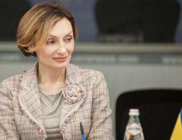 Без страху і сорому: Заступник голови Національного банку Катерина Рожкова задекларувала подарунок за 140 тис. гривень! Деталі доводять до істерики!