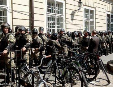 ТЕРМІНОВО!!! У Львові відбуваються масові протести, вже перекрито одну з вулиць, причина СТОСУЄТЬСЯ КОЖНОГО
