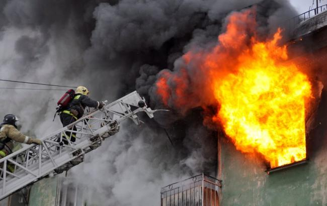Там пекло!!! В Києві масштабна пожежа, дим охопив усе місто, наслідки наводять жах