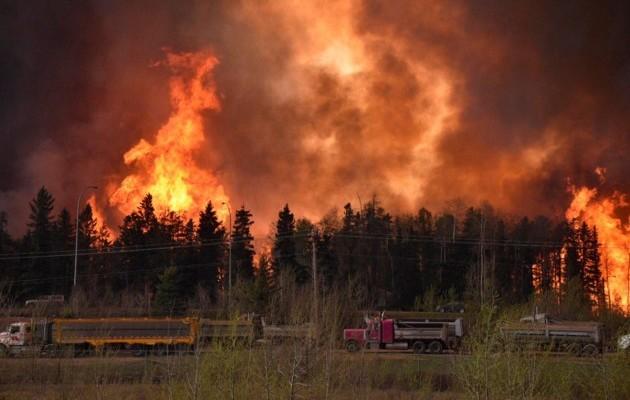 У Росії через пожежі згоріли сотні осель та люди