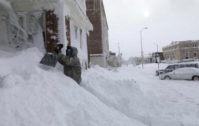 ТЕРМІНОВО!!! Півметрові замети… Столицю охопив снігопад, такого в травні ніхто не очікував