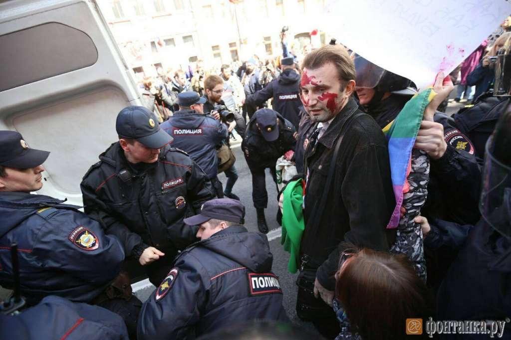 З'явились криваві фото затримання ЛГБТ-активістів у Петербурзі