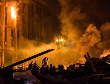 ТЕРМІНОВО!!! Будинок будинок екс-президента спалили розлючені протестувальники!!! Народ обурений(ФОТО)