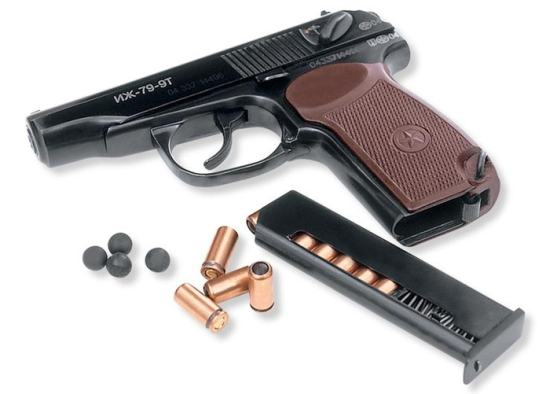 Резонансне затримання: Військового в Херсоні арештували за продаж наркотиків та торгівлю зброєю (ФОТО)