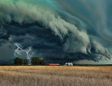 Синоптики б'ють на сполох! Що ж чекає українців? Прогноз погоди, від якого зносить дах!
