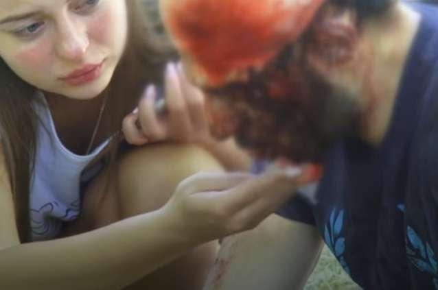 І як таких земля носить!!! В Одесі неадекватні молодики били арматурою всіх хто попадався під руку ( ВІДЕО 18+)