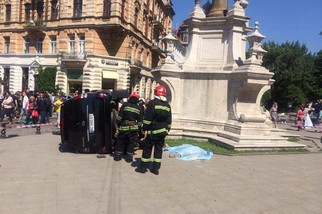 Стали відомі нові деталі смертельної ДТП біля церкви у Львові