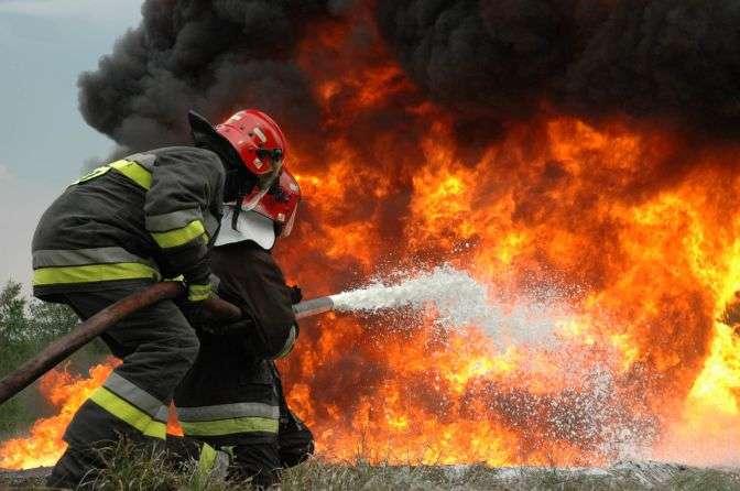 ТЕРМІНОВО! На Львівщині масштабна пожежа! Горів відомий завод!(ВІДЕО)