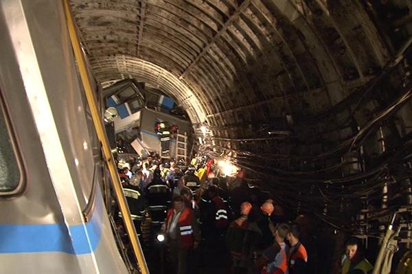 ТЕРМІНОВО!!! В столичному метро сталася страшна аварія, постраждалих важко порахувати