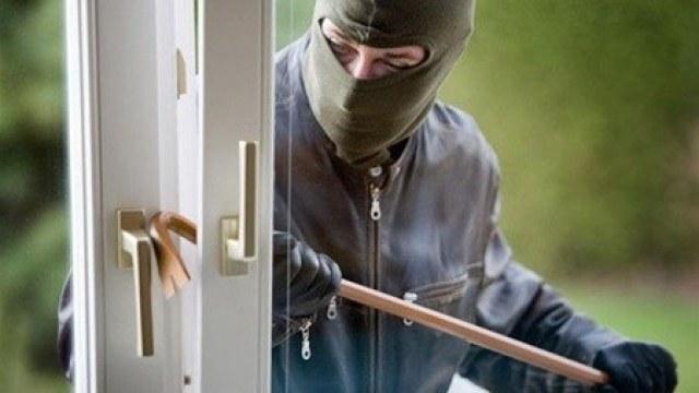 В Ужгороді поліція розкрила крадіжку на 50 тисяч гривень