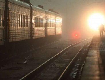 Справжнє лихо:  На Житомирщині підлітки стрибнули з потяга під час руху! Є загиблі! Деталі ШОКУЮТЬ!