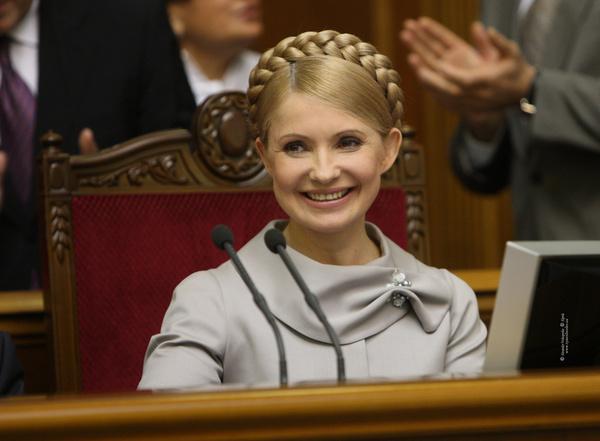 """Обнімалися і не тільки!!! Юлію Тимошенко """"зловили"""" на побаченні з відомим нардепом у Відні (ФОТО)"""