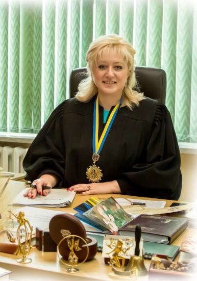 """""""На одну зарплату"""": Відома львівська суддя шокувала своїми розкішними статками! Тримайтесь міцніше!"""