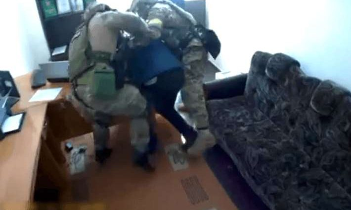 НЕГІДНИК!!! Відомий депутат намагався підкупити поліцейського величезним хабарем, сума просто збиває з ніг