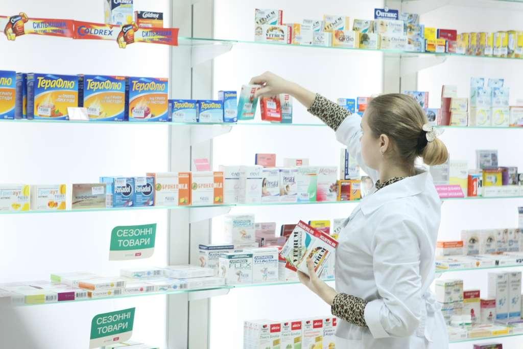 """""""Залікують до смерті"""": Як українців обманюють з ліками. Усі можливі фокуси з інструкціями"""
