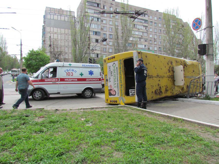 Яке жахіття!!! На Львівщині перекинулася маршрутка з людьми, цей випадок приголомшив весь регіон