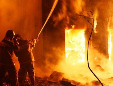 ТЕРМІНОВО! У центрі Львова страшна пожежа. Там справжнє пекло (ФОТО)
