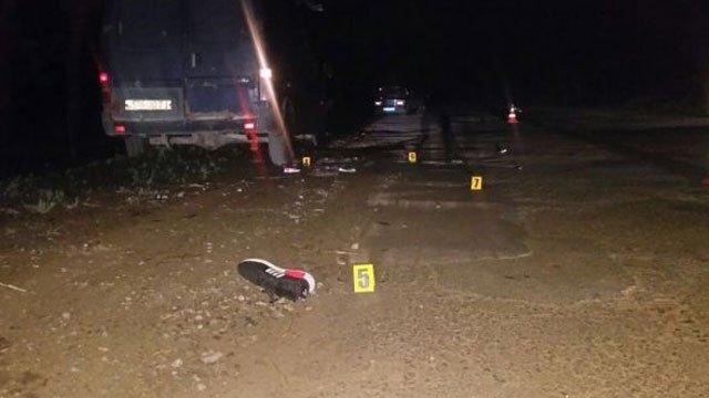 Він за них буде молитися? На Тернопільщині п'яний як чіп священик збив трьох підлітків