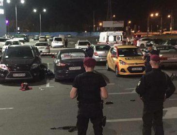Там було стільки крові…. У Києві біля торгового центру розстріляли чоловіка. Деталі приголомшують!