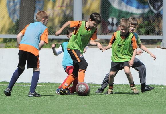 Те що трапилось з хлопчиком на футбольному полі шокувало всіх! Хто за це відповідатиме