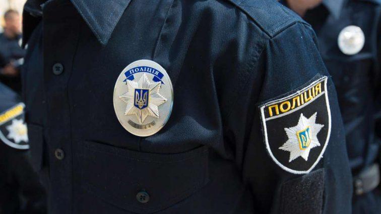 Негідник!!! У Харкові затримали поліцейського за величезний хабар, він покривав страшний злочин