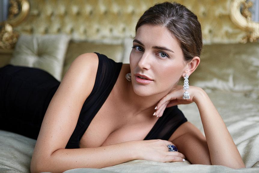 """Еротика і багатство: помічниця """"скандального нардепа"""" шокувала Мережу своїми розпусними фото, ТРИМАЙТЕ СЕБЕ В РУКАХ"""