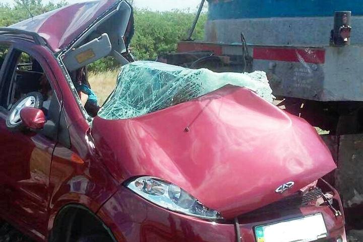 Потяг протаранив авто: Страшна ДТП на Запоріжжі забрала життя 3 людей. Від подробиць сльози виступають!