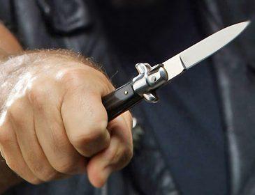 """""""Відбираючи телефон, погрожували  ножем"""": Як жінка рятувалася від грабіжників на велосипедах"""