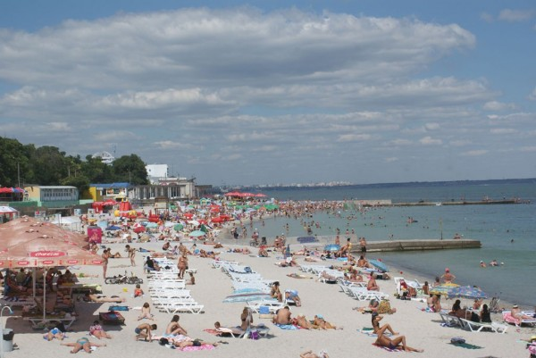 На популярному пляжі Одеси підстрелили 2-річну дитину, ще ТАКОГО жаху не було