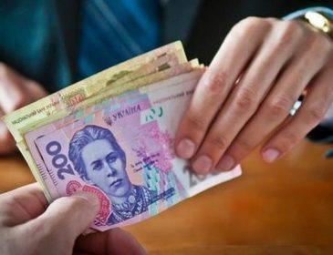 На Львівщині чиновник вимагав гроші за таке, що ніколи б і не подумали. Подробиці приголомшують