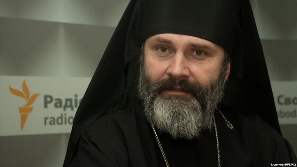 Неможливо стримати сльози: український священик в Криму зробив справжній подвиг, такого ніхто не очікував