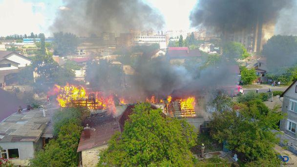 Страшно жити… У Львові сталася жахлива пожежа в житловому будинку, навіть пожежники були в шоці від побаченого