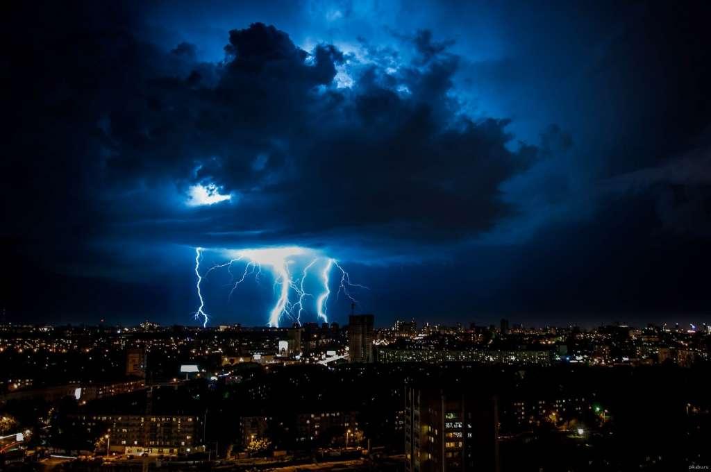 ТЕРМІНОВО! Синоптики оголосили про штормове попередження! Три області в страшній НЕБЕЗПЕЦІ! Будьте обережні!