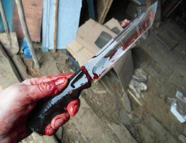 """""""Кров фонтаном"""": В Одесі чоловік жорстоко зарізав свого товариша. Деталі шокують"""