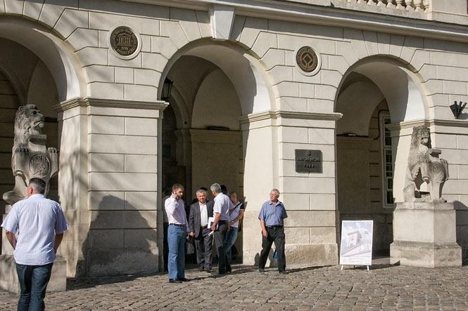 Терміново!!! Афера століття!!! В Львівській міській раді проводять обшук, те, що там скоїли шокує навіть найстійкіших
