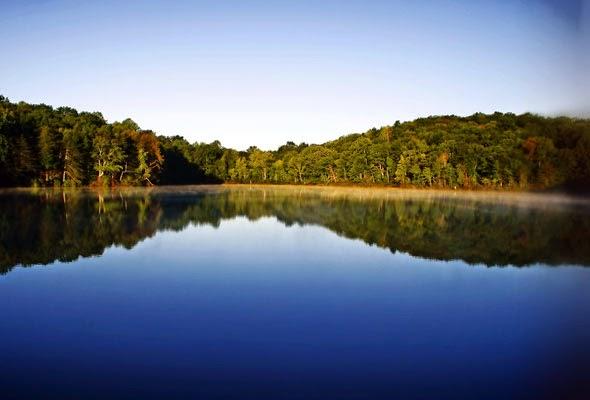 БУДЬТЕ ОБЕРЕЖНІ! В озері на Львівщині виявлено небезпечну знахідку!