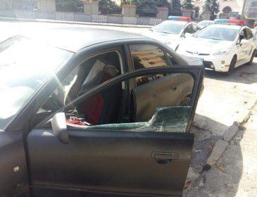 А куди люди дивились? У Львові просто посеред вулиці чоловік жорстоко побив жінку. Від деталей мороз по тілу