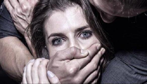 У Черкасах спіймали чоловіка котрий біля лісосмуги зґвалтував жінку, а після…