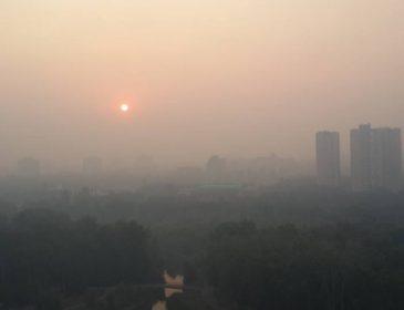 Вся столиця в паніці!!! Київ окутав страшний чорний дим, ця пожежа точно увійде в історію